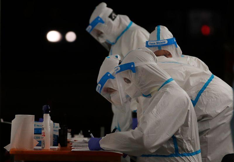 巴西經濟部長:中國人發明武漢肺炎