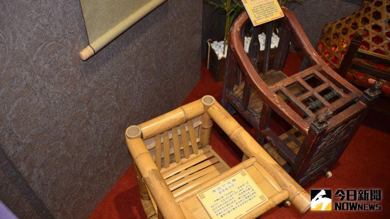 ▲古早年代的椅轎珍貴文物。(圖/記者郭政隆攝影2020.12.30)