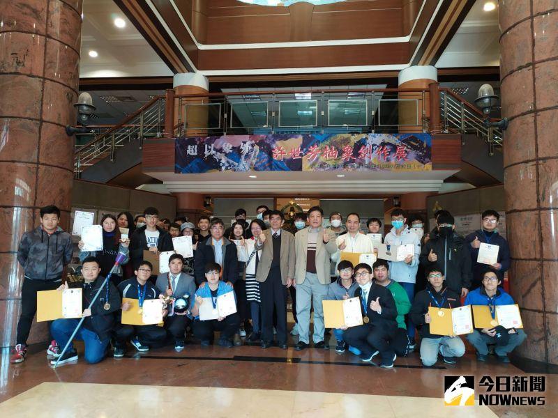 影/<b>KIDE</b>國際發明展全壘打 彰化科大12件參賽作品皆獲獎