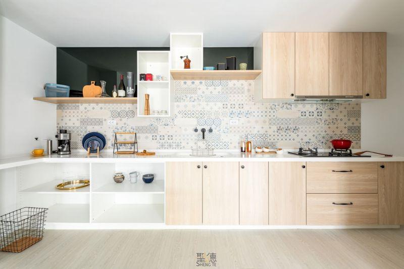 廚房應依坪數大小及需求不同而設計為L型等