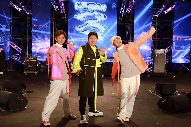 ▲阿翔(左起)、胡瓜、浩子開場。(圖/民視提供)