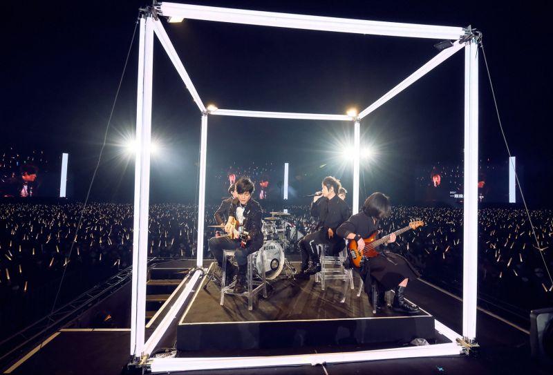 ▲五月天在桃園舉辦「好好好想見到你」演唱會,與粉絲一起跨年。(圖/相信音樂提供)