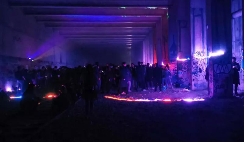 硬要跨年!逾2500人除夕偷開派對 與法國警方爆肢體衝突