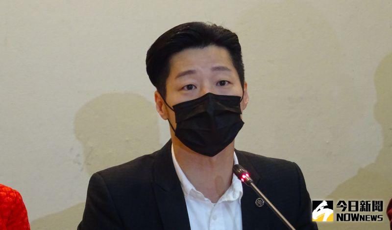 黃捷募物資挺香港要被罷免?林昶佐:二度傷害被壓迫港人
