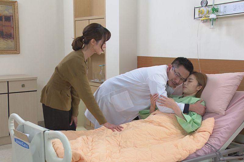 ▲江俊翰跟黃瑄(左)劇中跟王瞳相認的場面。(圖