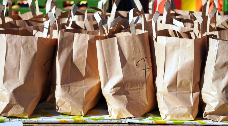 ▲有網友好奇「大家都有買福袋嗎」,並透露自己最討厭的種類,貼文一出,許多網友紛紛表示「衣服類」是最雷的一種。(示意圖/取自pixabay )