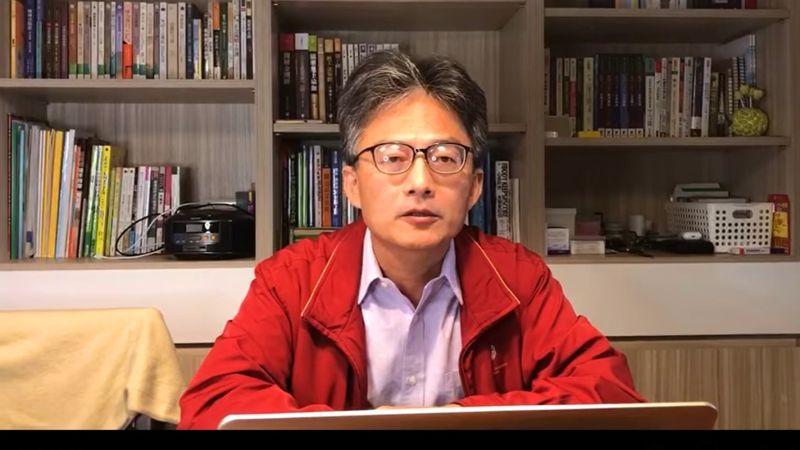 前榮總醫師蘇偉碩指出,蘇貞昌今天去看到的豬肉,都是去年下訂的,他質疑這是作秀。(圖/翻攝蘇偉碩臉書)