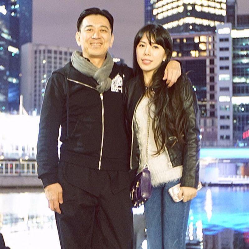 ▲高捷(左)娶小22歲嫩妻陳泯蓁,家庭幸福美滿。(圖