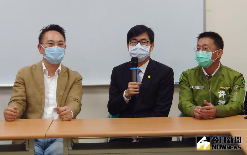 高雄市長陳其邁認為黃捷在議會非常認真,努力監督市政。(圖/記者鄭婷襄攝)