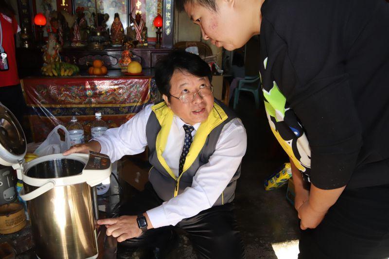 中華聖母基金會送暖物 助弱勢暖個好冬迎新年