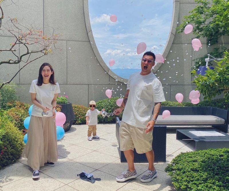 ▲▼余文樂(上圖右,下圖後)這2年都留在台灣,沒有回香港探望家人。(圖/余文樂IG)