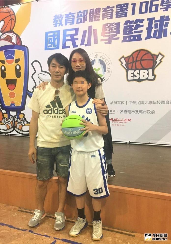 ▲陶子(後)、李李仁(左)與大女兒「荳荳」。(圖/記者鍾東穎攝)