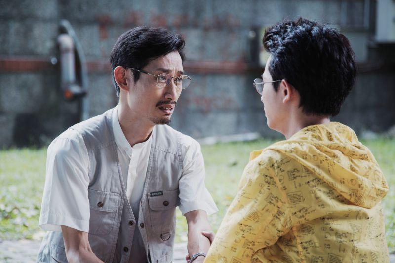▲陳竹昇(左)在戲外與女兒關係很好。(圖
