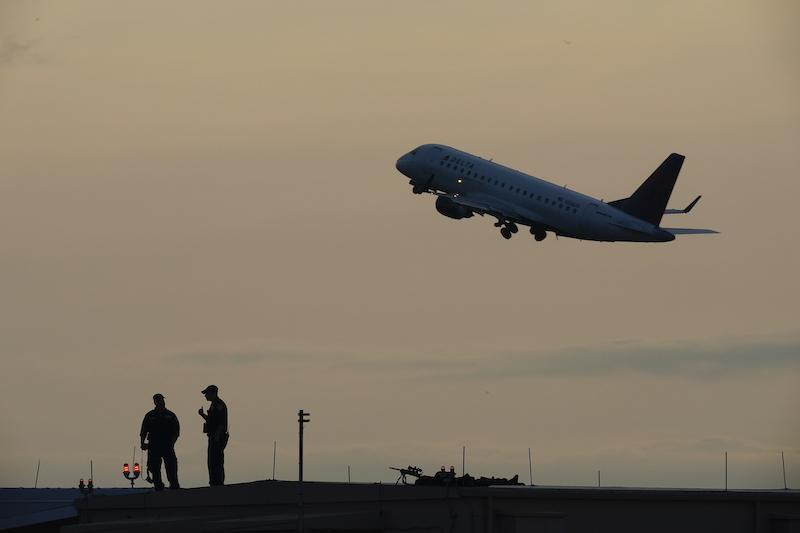 ▲紐約多名航管人員傳接到恐攻威脅,對方宣稱要為伊朗遭刺殺的軍事將領報仇。(圖/美聯社/達志影像)