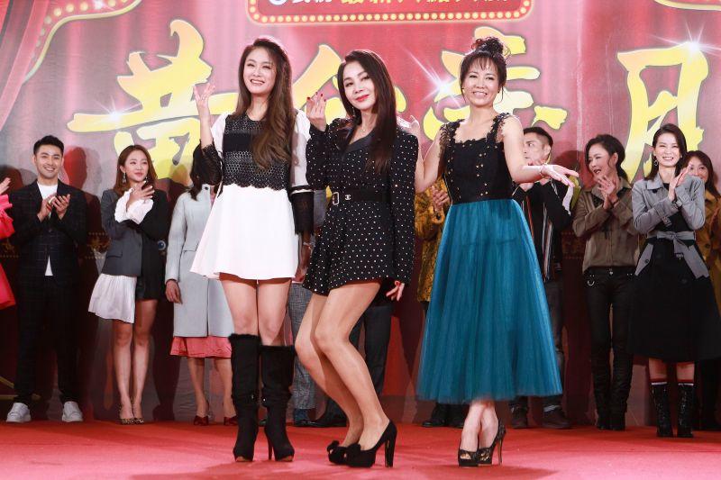 ▲葉家妤(左起)、陳美鳳、陳仙梅。(圖