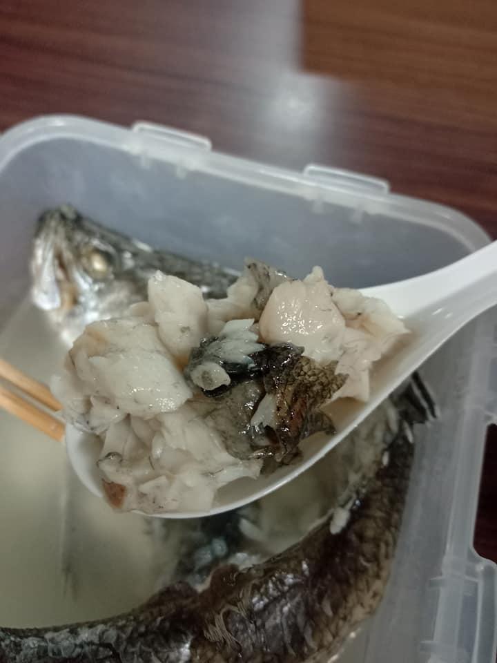 ▲有網友表示,用「微波爐」煮鱸魚,最能保留鱸魚原味。(圖/翻攝自臉書社團《全聯消費經驗老實說》)