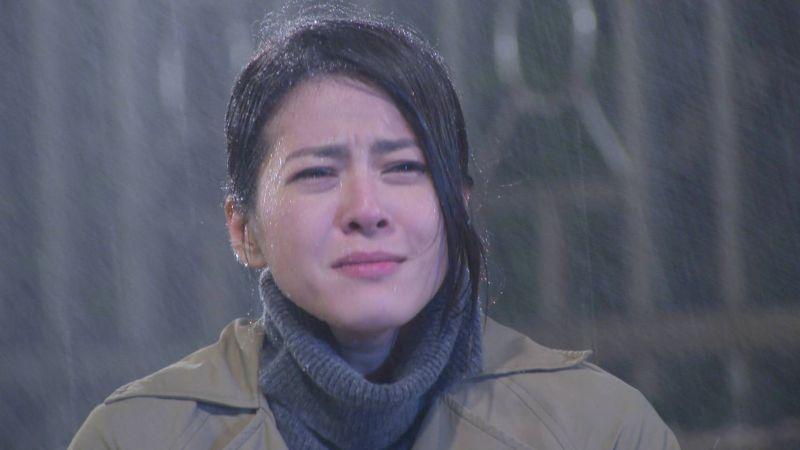 「<b>苦情</b>女主」8度低溫淋雨拍戲 冷到手都在發抖