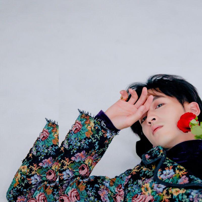 ▲小樂吳思賢推出單曲《依然你在》,MV女主角找來李佳穎。(圖/傳奇星娛樂提供)