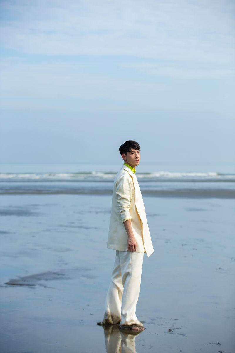 ▲晨翔推出EP《百分百》。(圖/華納音樂提供)