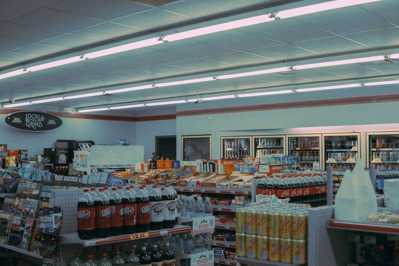 ▲一名網友日前到便利商店買微波食品,當他一看「調理方式」直接傻眼,貼文一出,引起熱議。(示意圖/取自unsplash)