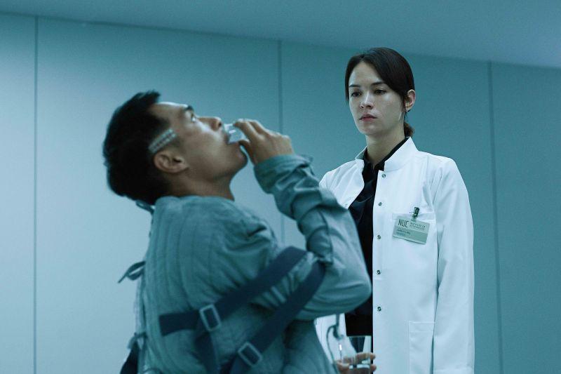 ▲張榕容(右)揭露楊祐寧在《複身犯》的怪物之謎。(圖/牽猴子)