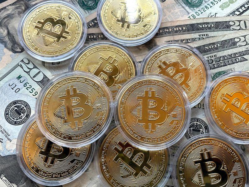 ▲全球市值最大加密貨幣比特幣再度飆破6萬美元。(圖/美聯社/達志影像)