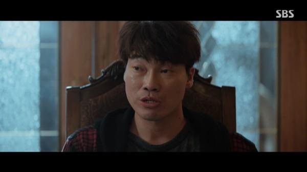 ▲裴振雄遭報導性侵女後輩,但他表示被對方性騷擾。(圖/翻攝SBS)