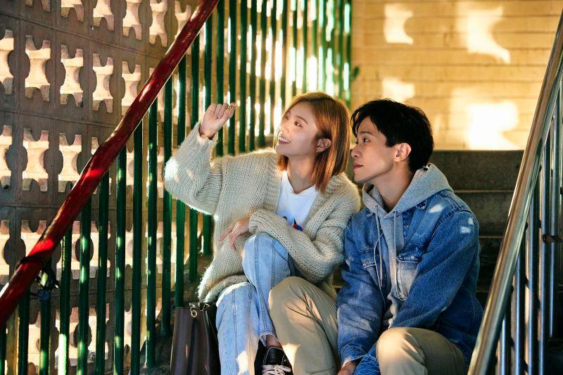 ▲蔡黃汝、薛仕凌在《預言》MV中飾演情侶。(圖/寬宏音樂&繁星浩月娛樂提供)