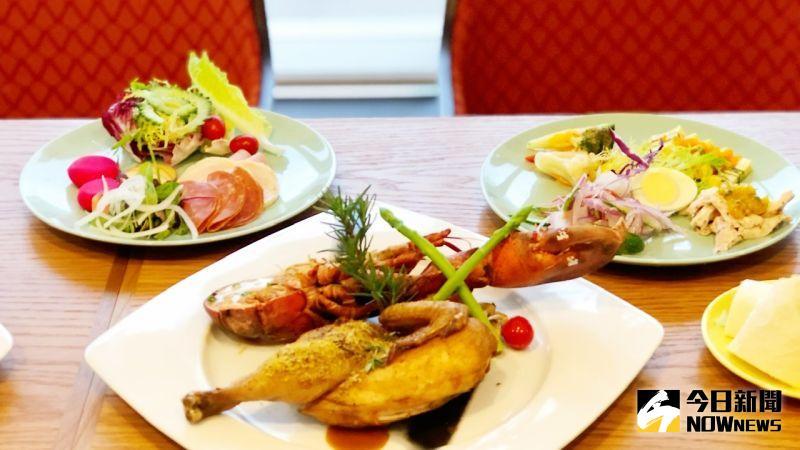 ▲自助餐台推出特別設計的菜色,而主餐則升級為「海陸雙拼」。(圖/記者陳美嘉攝,2021.01.13)