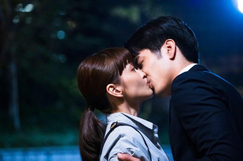 ▲胡宇威(右)和葉星辰拍了一整天吻戲。(圖