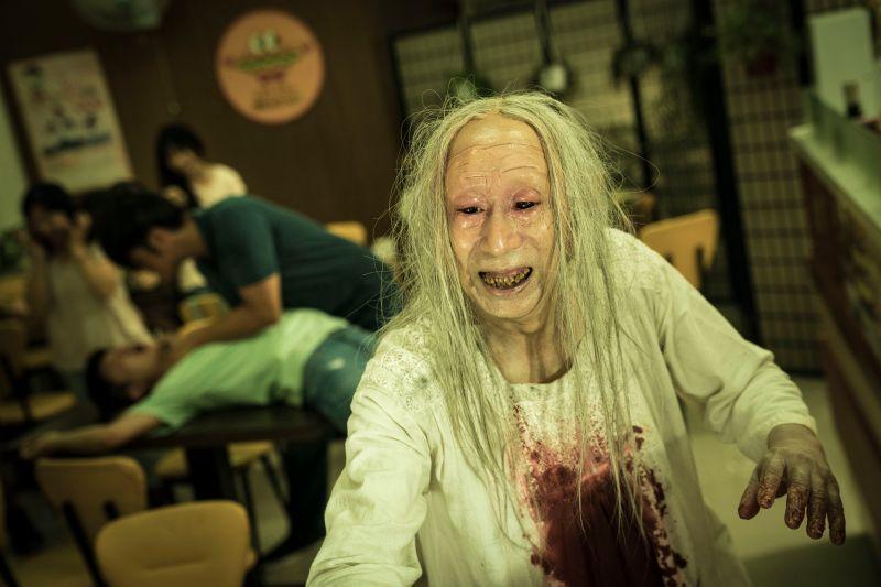 ▲▼《哭悲》利用特效化妝做出生猛血腥的病人,電影直搗限制級。(圖/麻吉砥加提供)