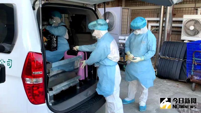 陸軍33化學兵群進駐部桃 協助病患轉院消毒