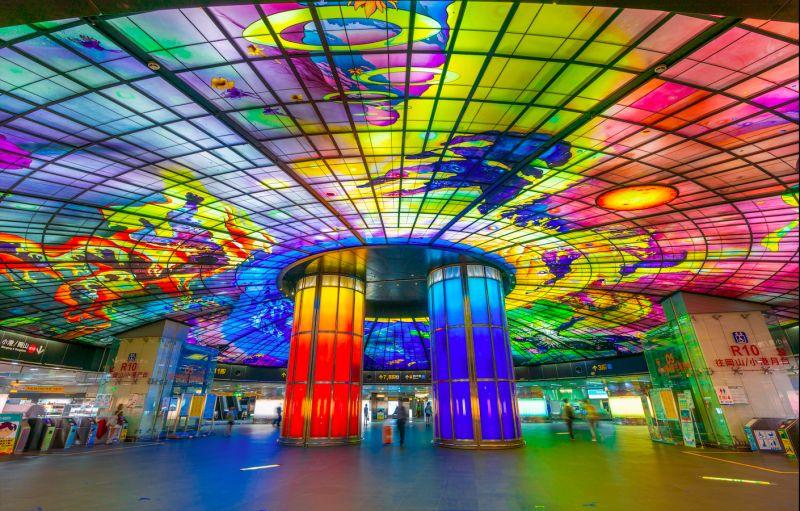 ▲高雄捷運站。(圖/取自Shutterstock)