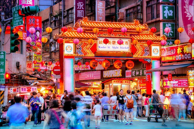 ▲台北市饒河夜市。(圖/取自Shutterstock)