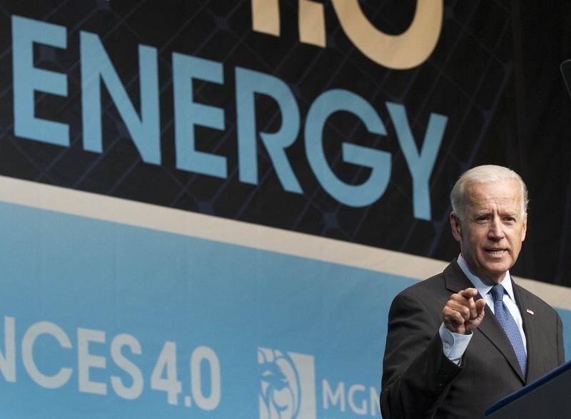 ▲2015年,還是美國副總統的拜登,出席全國乾淨能源大會並發表演說。(圖/美聯社/達志影像)
