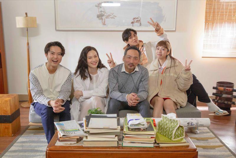 ▲告五人歌曲《唯一》MV,邀來五月天石頭、演員紀培慧演出。(圖/相信音樂提供)