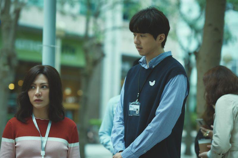 ▲▼傅孟柏(右)在片中是浪漫理工男。(圖/華納兄弟)