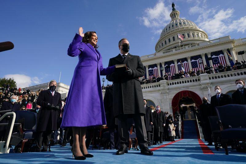 ▲賀錦麗是美國首位女性黑人副總統。(圖/美聯社/達志影像)