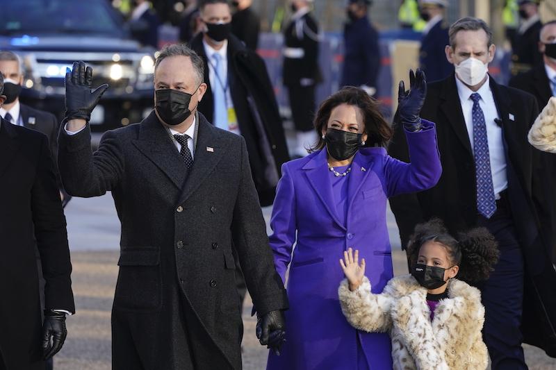 <b>賀錦麗</b>與前兩位第一夫人都穿紫色 Dress code背後有深義