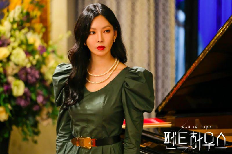 ▲劇中,金素妍出軌並搭上又婦之夫,卻自認沒有錯。(圖/SBS)