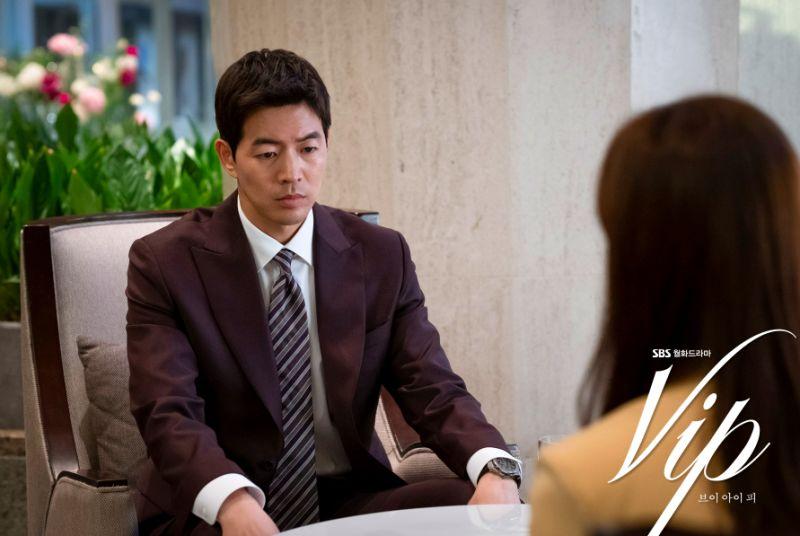 ▲劇中,李相侖(左)跟老婆道歉出軌。(圖/翻攝SBS)