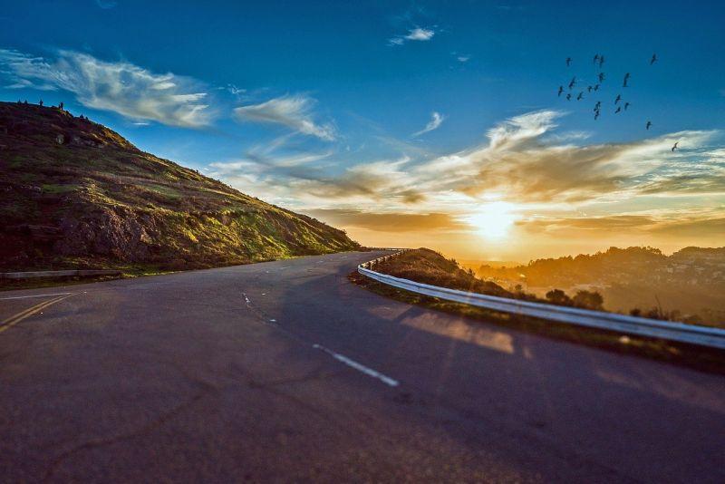 ▲有網友好奇「台灣有哪條路必走不枉此生?」而引來許多內行人曝光心目中的「絕美公路」。(示意圖/翻攝Pixabay)