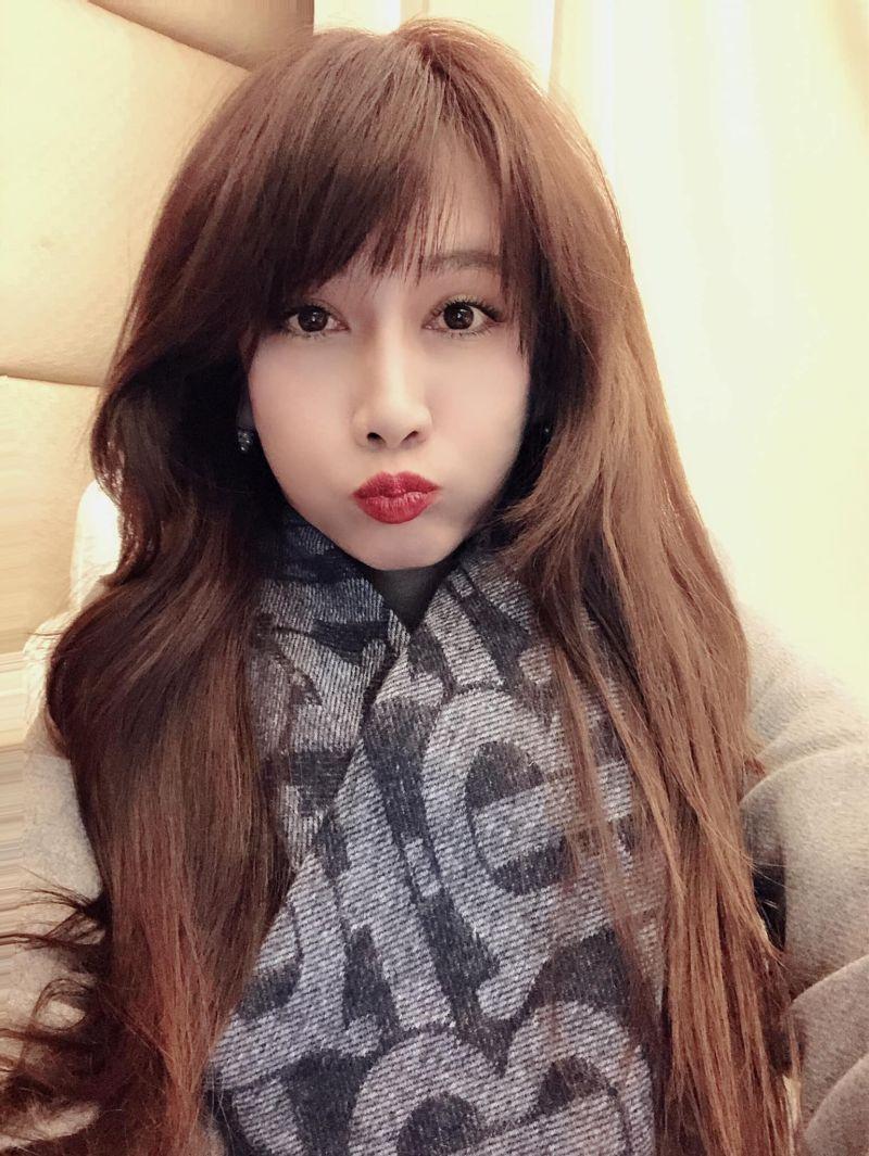 ▲▼48歲陳子璇容貌、身材保養得宜。(圖/陳子璇臉書)