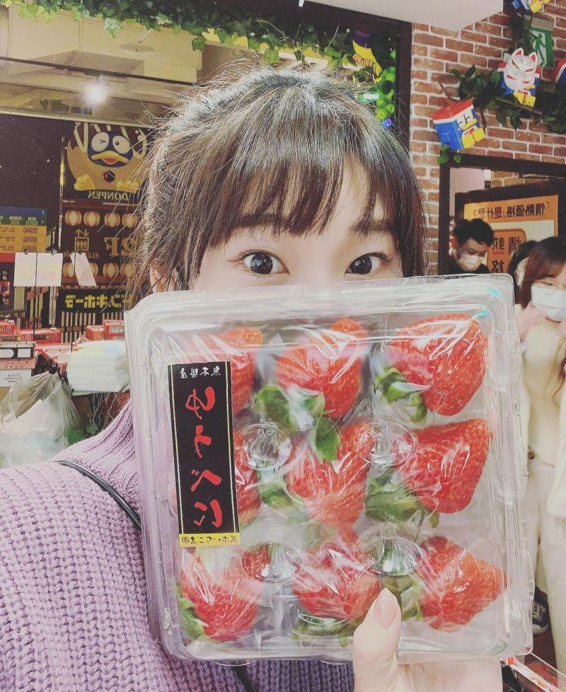 ▲愛莉莎莎認為熊本草莓價格太高,她下不了手。(圖/愛莉莎莎IG)