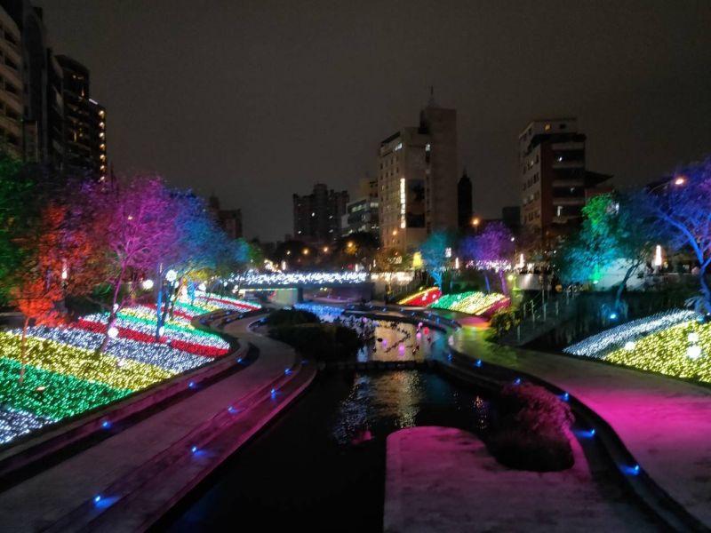 中市綠柳燈飾伴年節 過年出遊好選擇