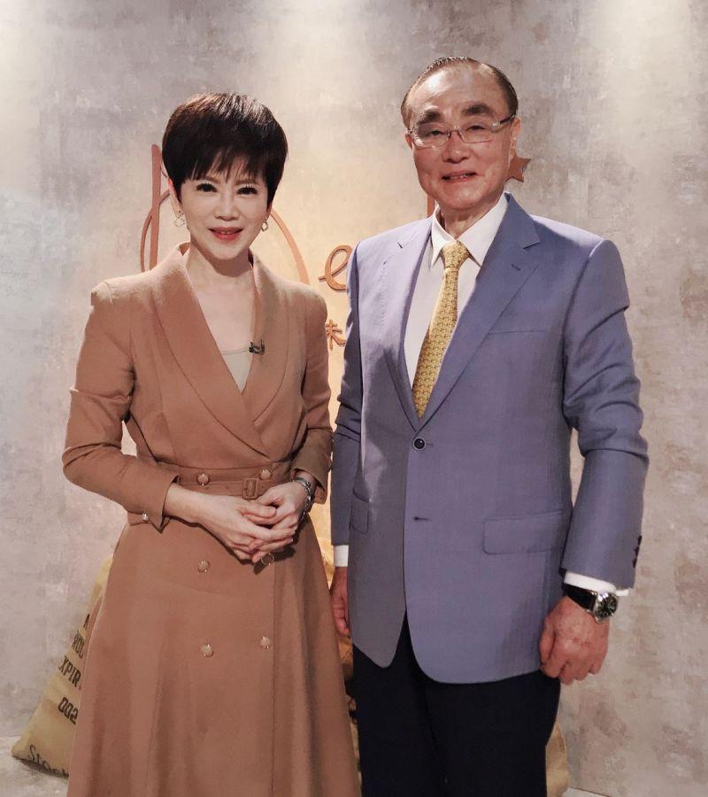 ▲陳雅琳(左)揭開馮世寬豐富情史。(圖/壹電視)