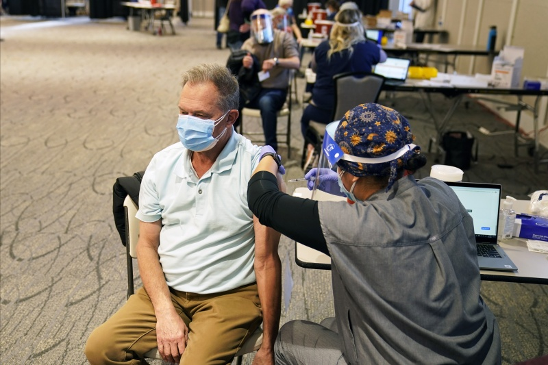 五角大廈派遣1100現役軍人 在美協助疫苗接種工作