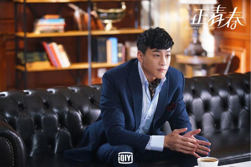 ▲《正青春》何潤東在劇中演出高富帥經理人。(圖