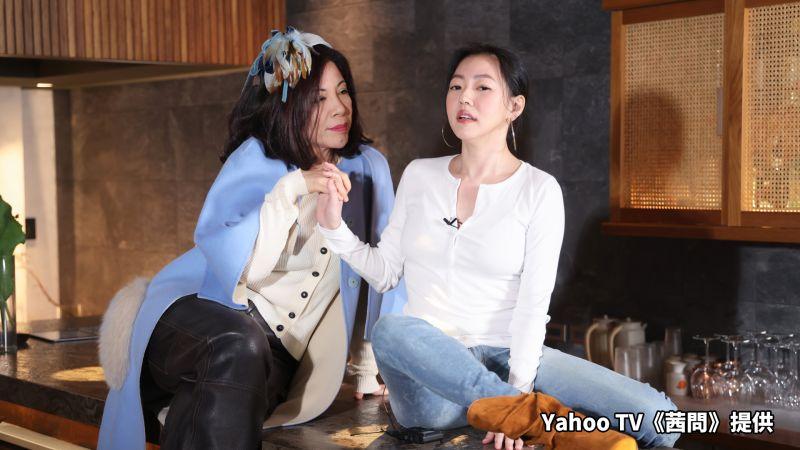 ▲小S(右)與忘年之交陳文茜聊天不設限。(圖/Yahoo TV提供)