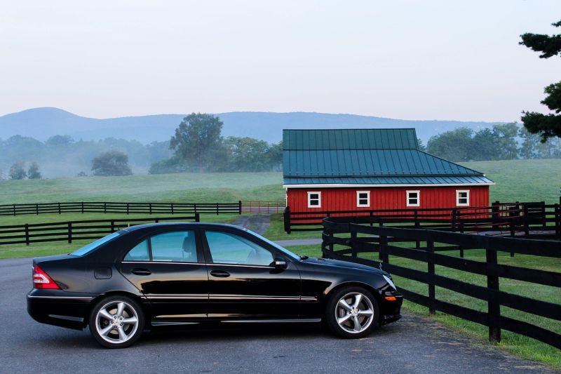 ▲車中又有分「SUV和轎車」,圖為一般轎車。(示意圖/翻攝自pixabay)